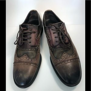 Dolce & Gabbana Oxford Distressed Shoes.